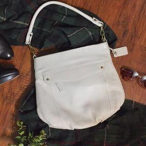NWOT Clarks    Pebbled Leather Handbag